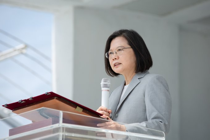 President Tsai visited hospitalized soldiers in Kaohsiung
