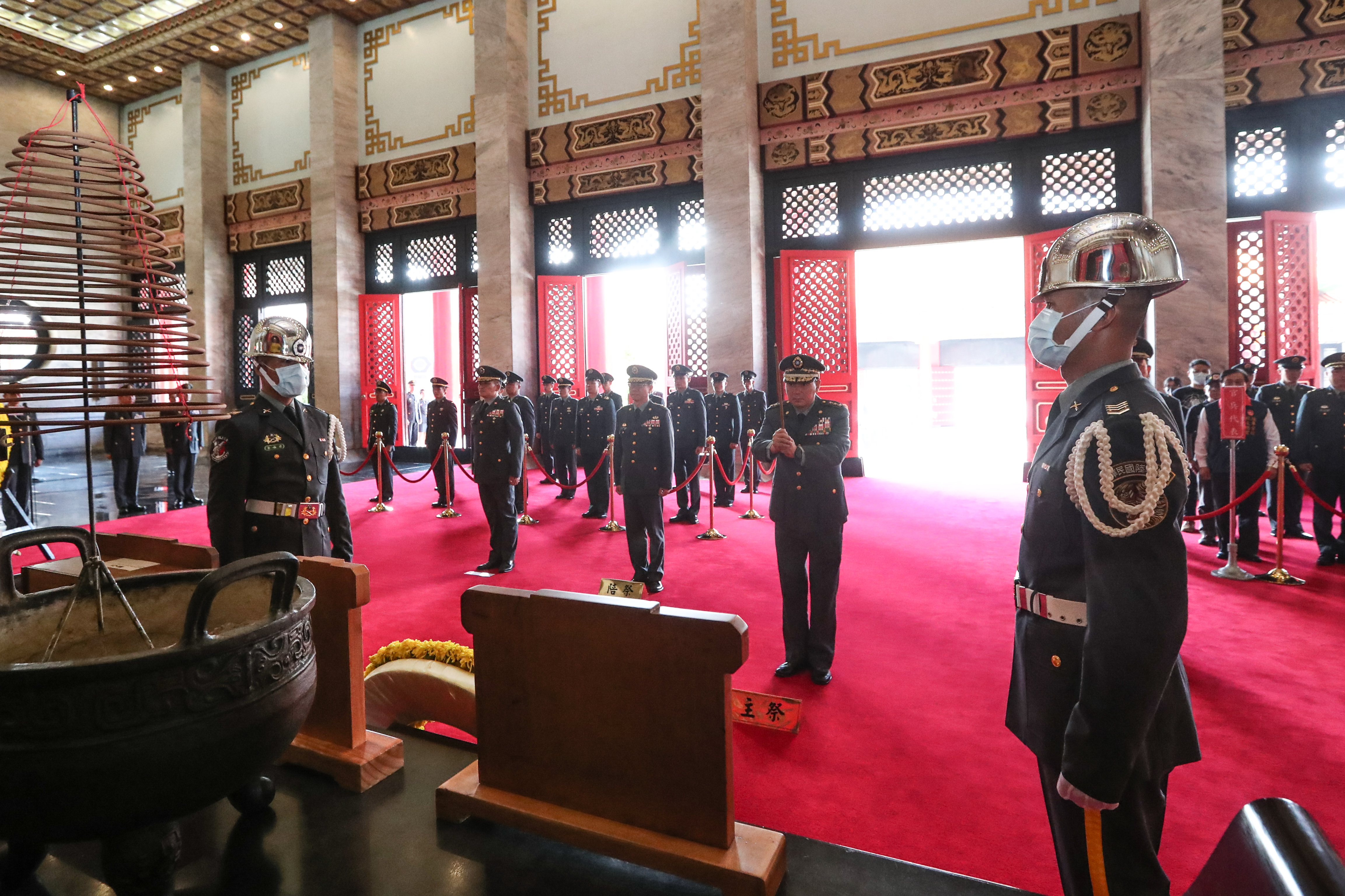 Sacrificed Service Members Enshrined to Martyrs' Shrine for Their Gallant Deeds