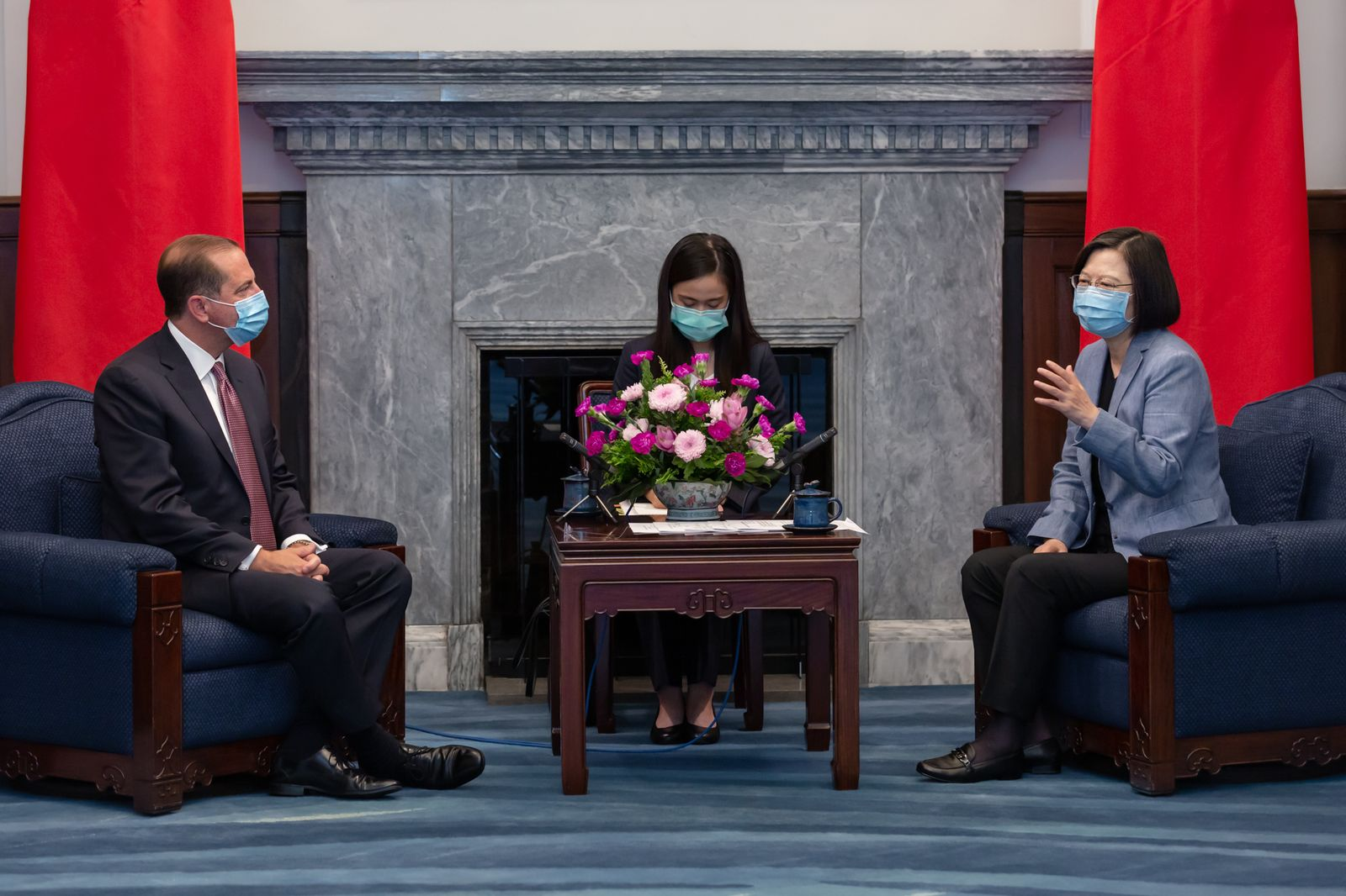 President Tsai meets with Azar and hopes for continuous cooperation