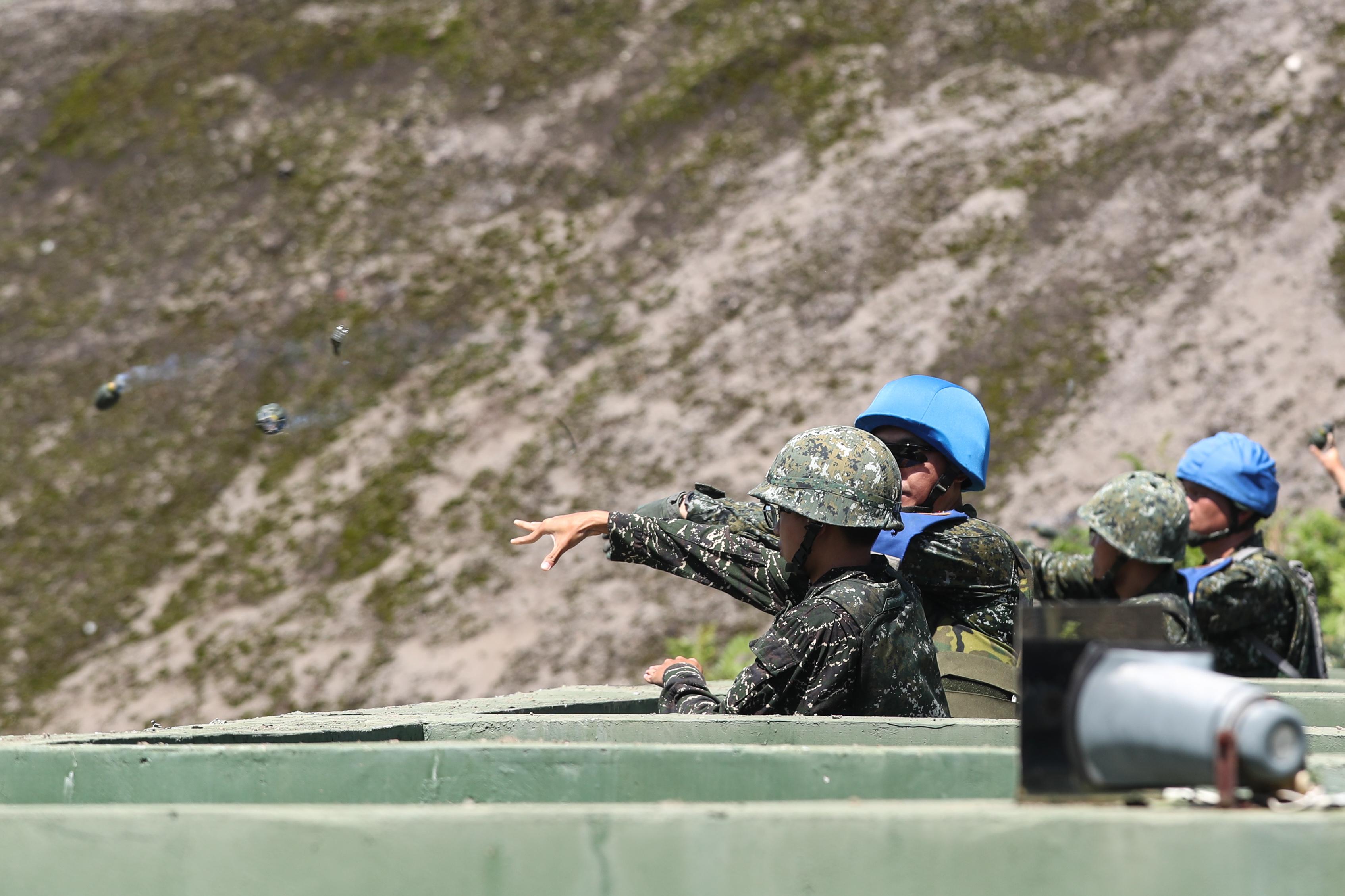Grenade throwing helps combat battlefield stress
