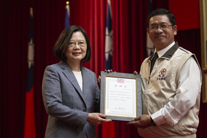 President Tsai attended Decoration Ceremony for Facial Mask Surge Production Personnel