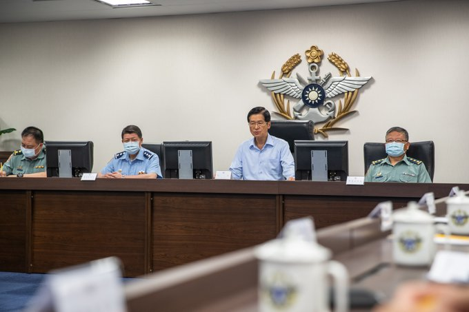 MINDEF Yen observed a moment of silence for fallen marine soldiers