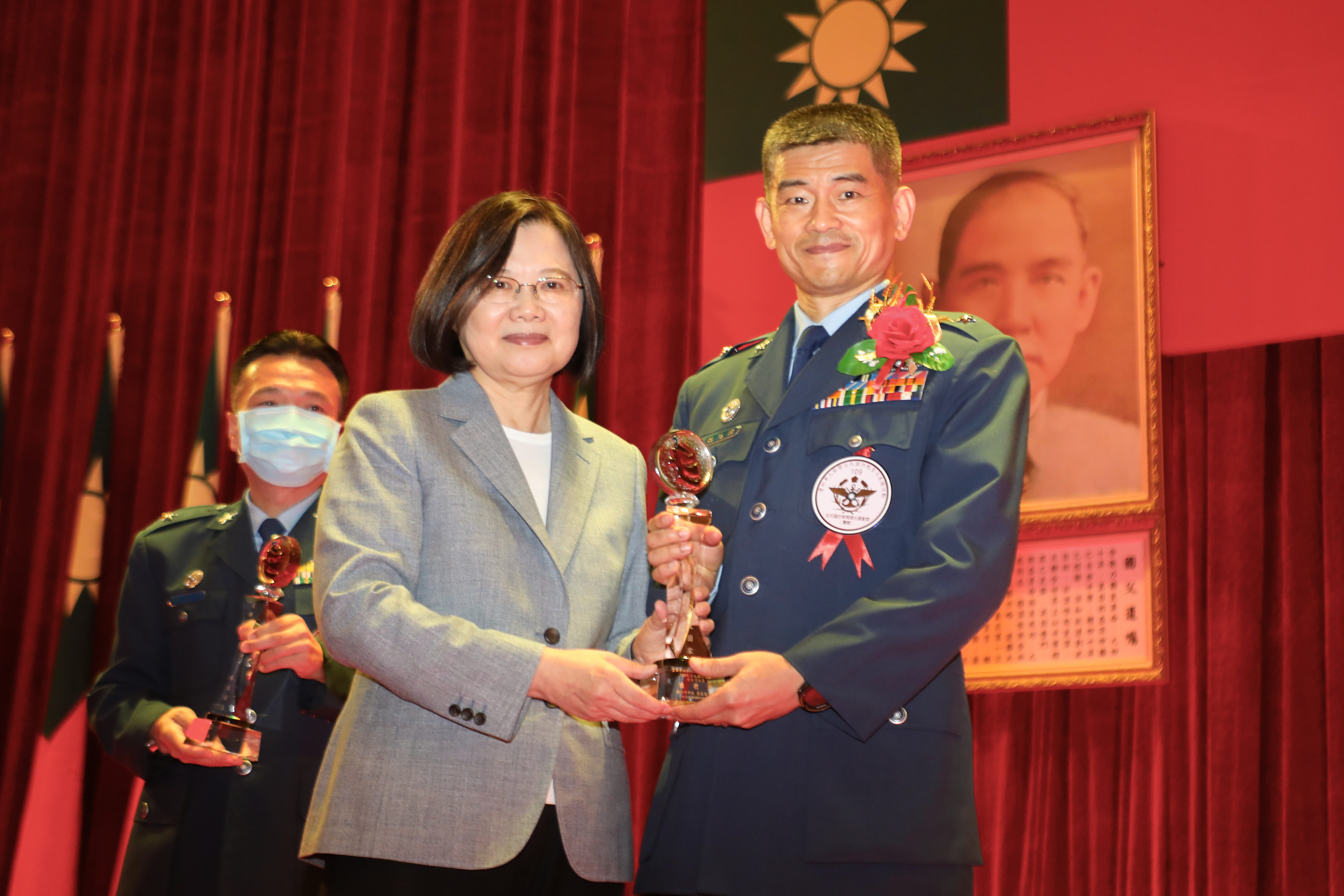President Tsai Attends Armed Forces Day Decoration Ceremony to Recognize Dedicated Service Members