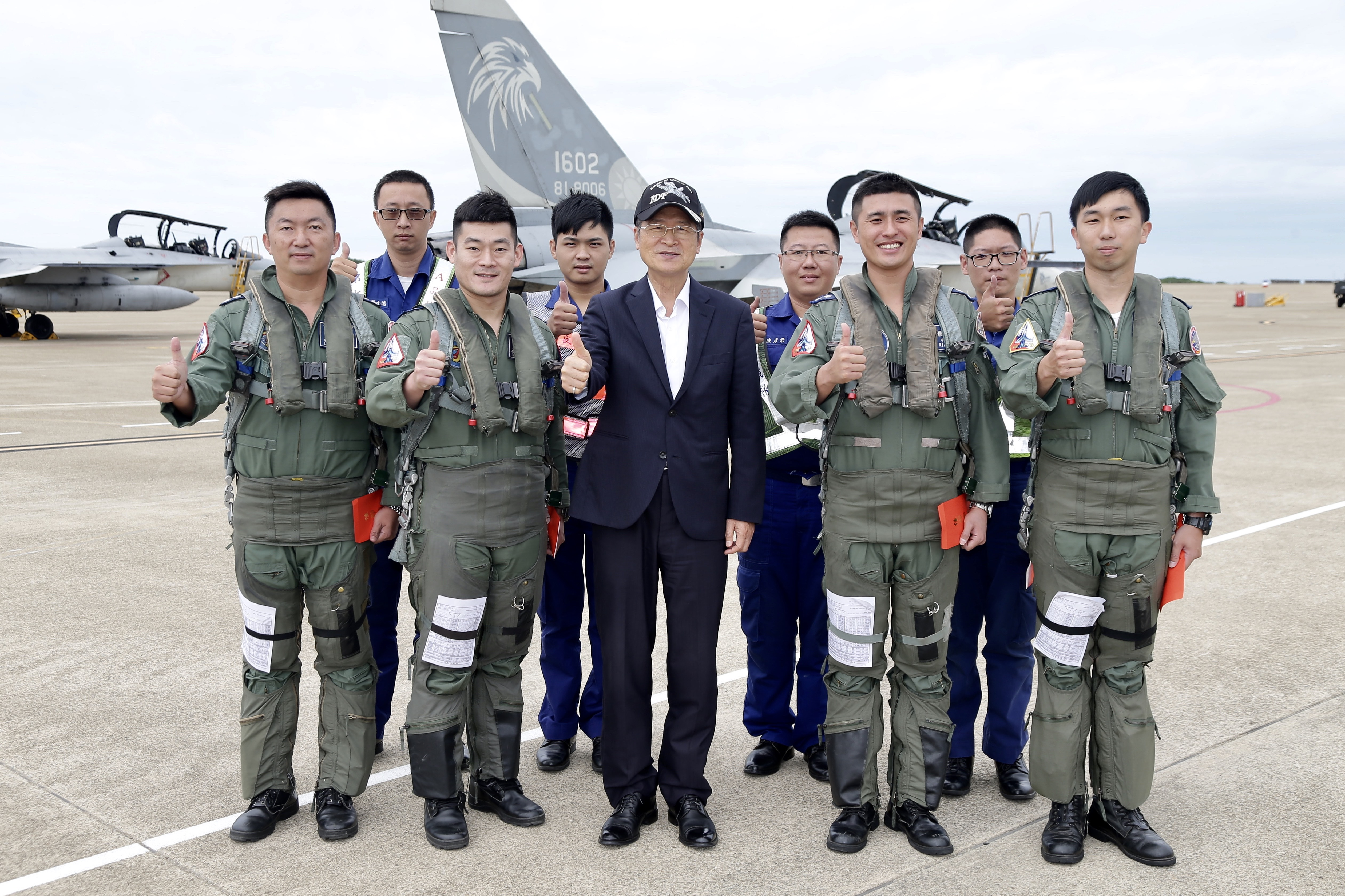 MINDEF Praises Air Force for Its Air Defense and Control
