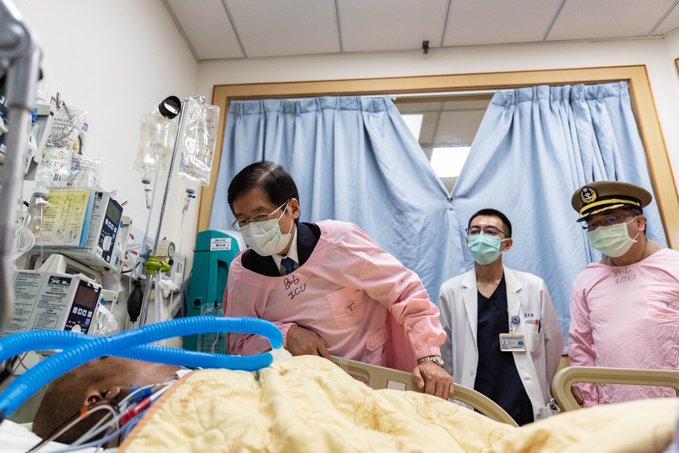MINDEF Yen visited the hospitalized Sergeant.