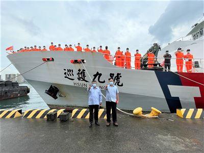 巡護九號遠航中西太平洋  千浬接駁漁工返國就醫