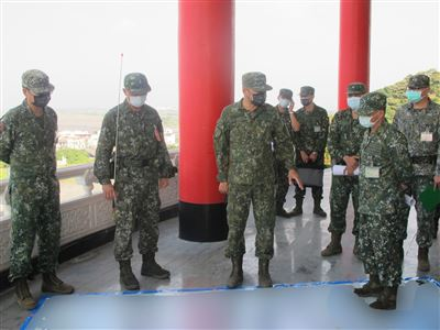 陸軍賀副司令視導機步333旅 強化防衛效能