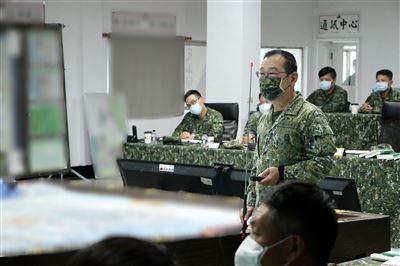 8軍團指揮官視導564旅圖上兵推 強化防衛戰力