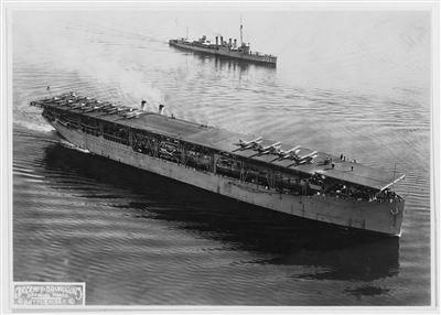 【2月27日軍史上的今天】美「蘭格利號」航艦遭擊沉