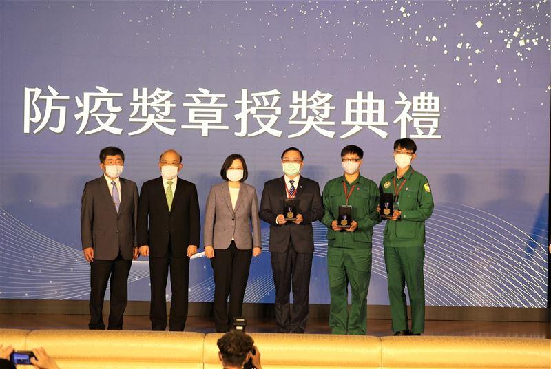 蔡總統感謝防疫英雄 讓臺灣成為最安全的地方3