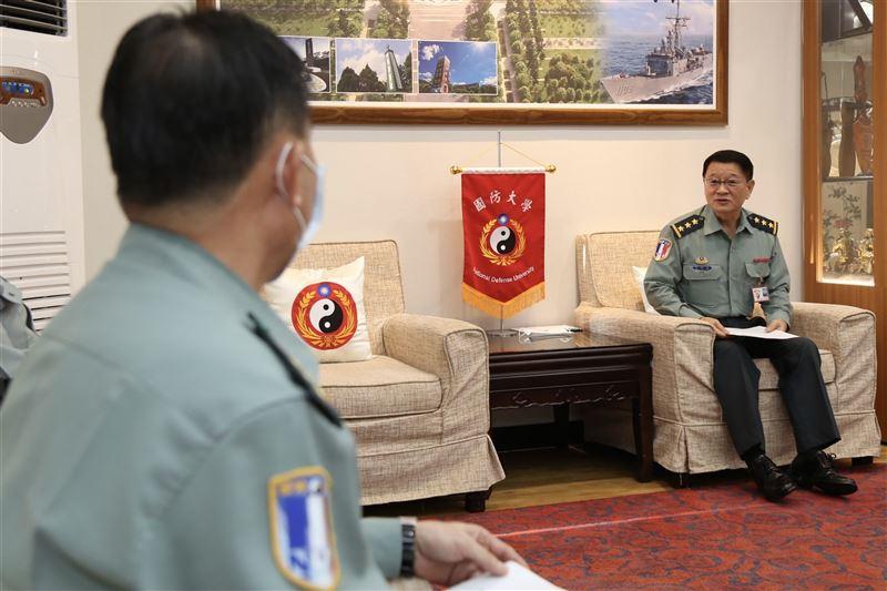 王信龍期許新任幹部積極謹慎2