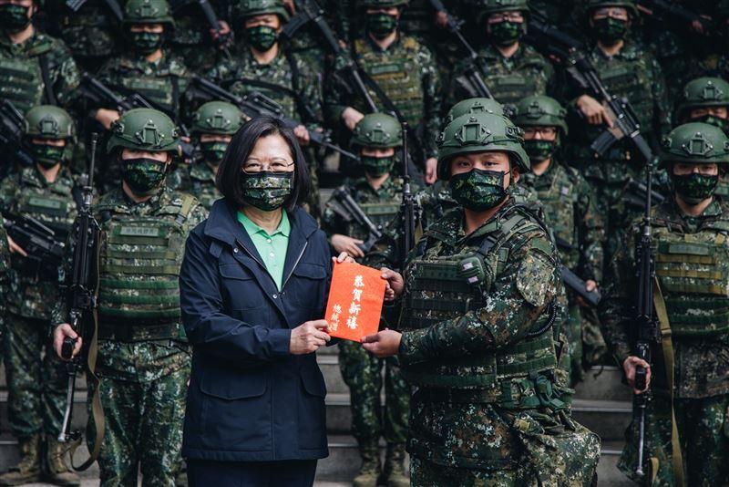 蔡總統春節慰勉關指部 感謝官兵戰備留值辛勞3