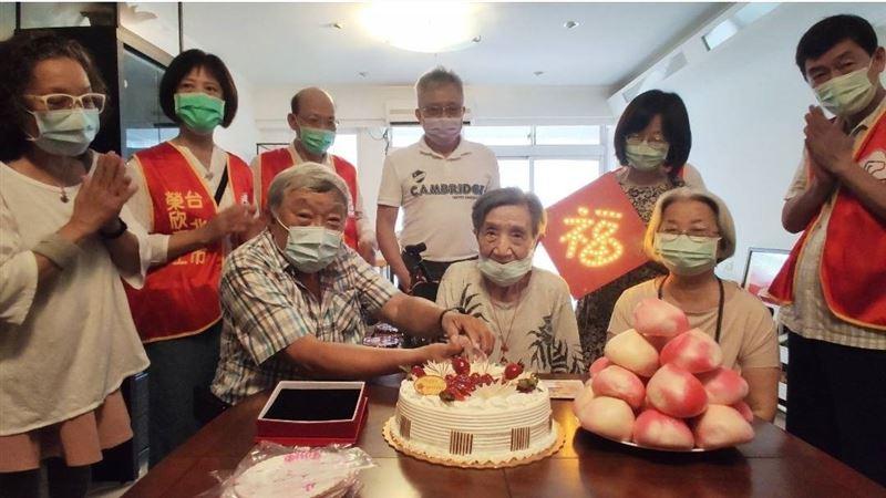 北市榮民服務處慶祝榮民吳月嬌百歲嵩壽3