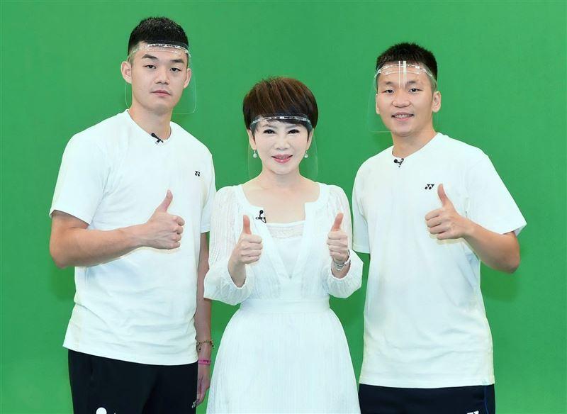 王齊麟父親帶金牌爬七星山 李洋喊話國手妹妹一起參加2024奧運2